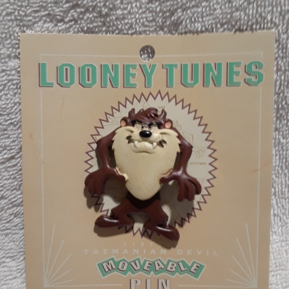 Vintage Looney tunes taz moveable pin